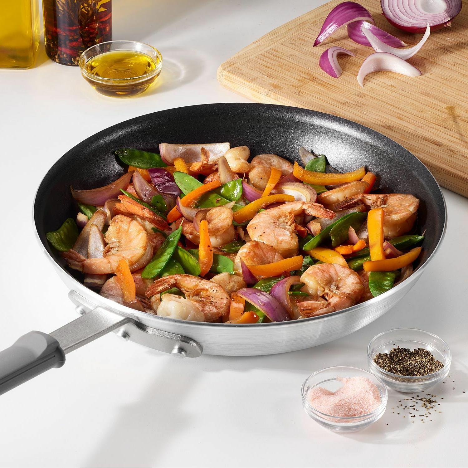 Member's Non-Stick with Free